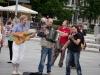 muzikantai-grojo-veliavos-kelimo-metu