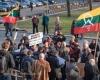 20190408_Protestas prie Mažvydo_51736-E