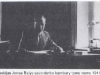 Dr. Jonas Balys savo kabinete Lietuvių tautosakos archyve Vilniuje (1941–1944 m.) (iš: Lietuvių kalendorinės šventės / Jonas Balys. – Silver Spring (Md.) : Lietuvių tautosakos leidykla, 1978. – Įkl. IV.)