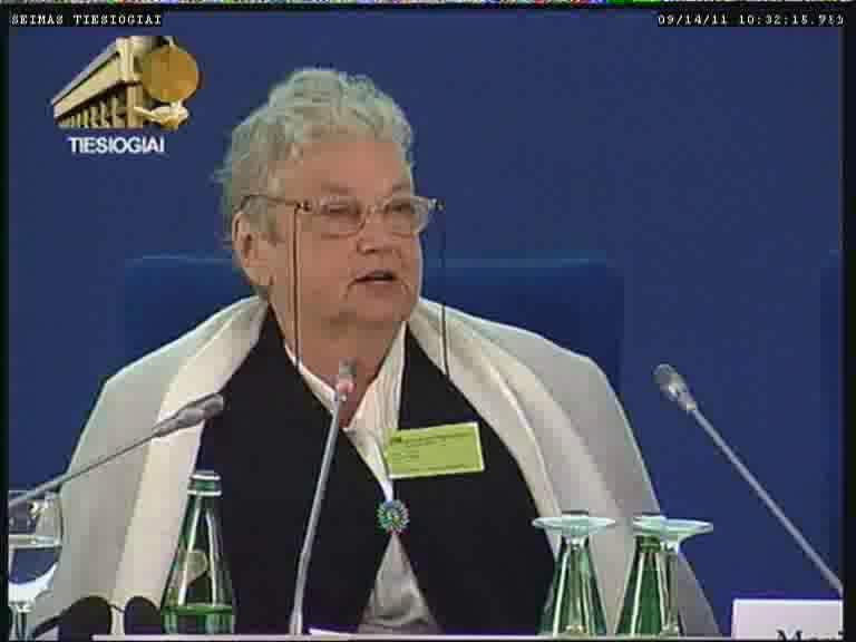Konferencijos apskritam stalui pirmininkauja prof. habil. dr. Tatjana Vladimirovna Civjan |  | lrs.lt TV transliacijos nuotr.