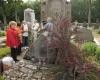 Prie Unės Babickaitės kapo-2400