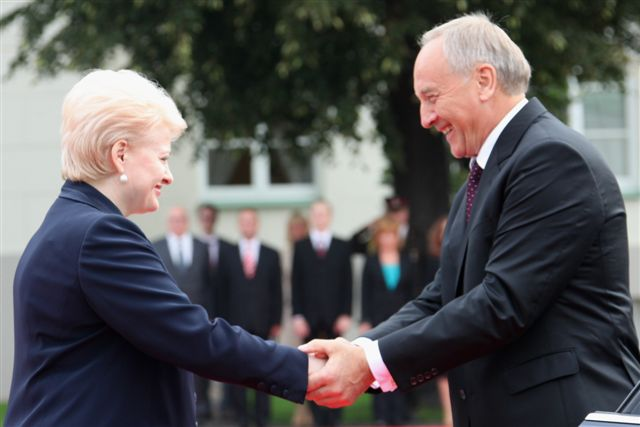 D.Grybauskaitė pasitinka A.Bėrzinį | Dž. G.Barysaitės nuotr.