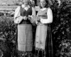 Genė Urbanaitė ir Janina Augulytė tremtyje Krasnojarsko srities, Manos rajono Širokij Log miškų ūkyje. 1954 m. K. Vilimo nuotr.