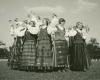 Tautinių šokių ansamblio dalyvės. XX a. 4 deš. V. Augustino nuotr.