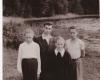 1964 m. Andrius Dručkus su mokiniais. Dešinėje būsimasis Lietuvos kariuomenės brigados generolas Zenonas Kulys Scan_20180319_151903_001-2400
