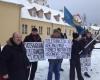 tautininku-piketas-prie-prancuzijos-ambasados-2015-01-09 (10)