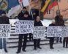 tautininku-piketas-prie-prancuzijos-ambasados-2015-01-09