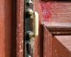34. Treniotos g. Nr. 29 durų furnitūra.