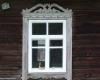 Restauruota lango puošyba Žalgirio kaime