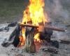 Lauže-sudeginami-ir-laikinieji-kapų-kryželiai..-1200