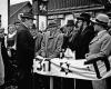 Tautos diena Molėtuose 1938 m. Žydų bendruomenė sveikina Prezidentą Antaną Smetoną | K. Daugelio nuotr.