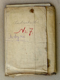 Dokumentų aplankas ir atrastojo partizanų archyvo