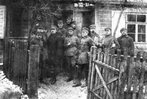 Lietuvos kariuomenės 2-ojo pėstininkų Lietuvos didžiojo kunigaikščio Algirdo pulko karininkai užėmus Giedraičius.1920 m. lapkričio 22 d.