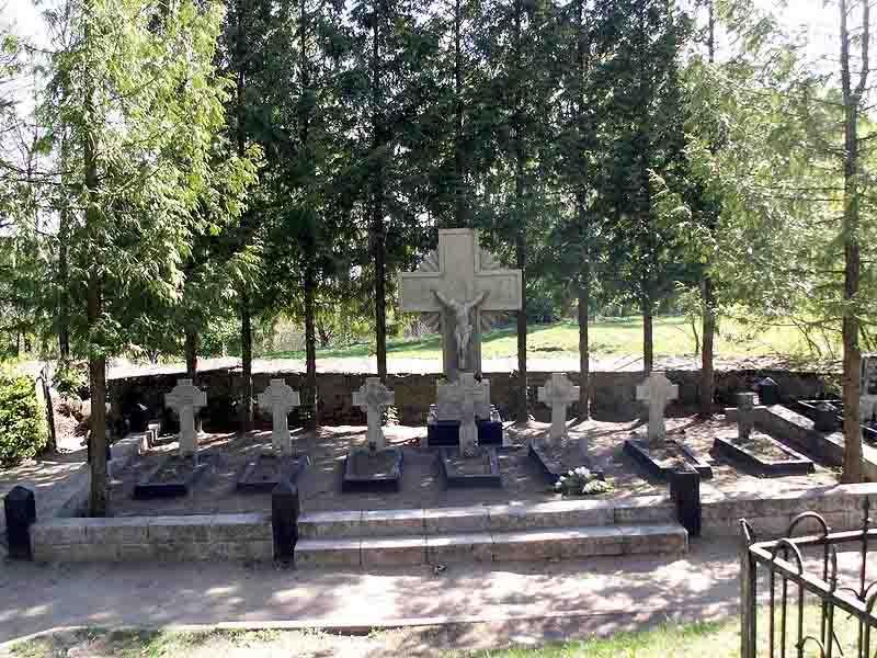 Devintojo pėstininkų pulko karių kapai Giedraičiuose | lt.wikipedia.org, R.Lazdyno nuotr.