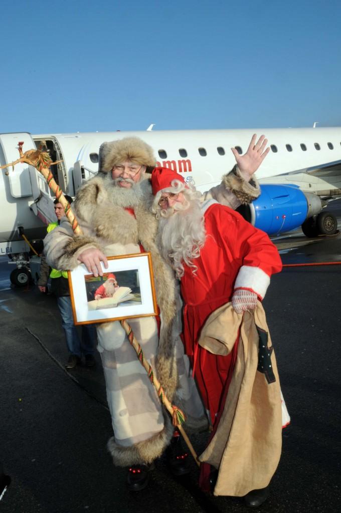 Kalėdos ir Juolupukio susitikimas. 2009 m. Zigmo Januškevičiaus nuotraukos.