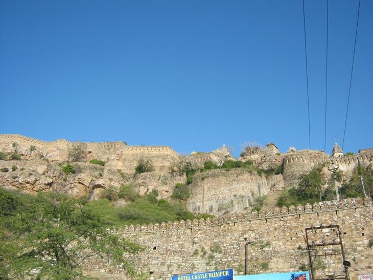 Radžputų tvirtovė iš tolo