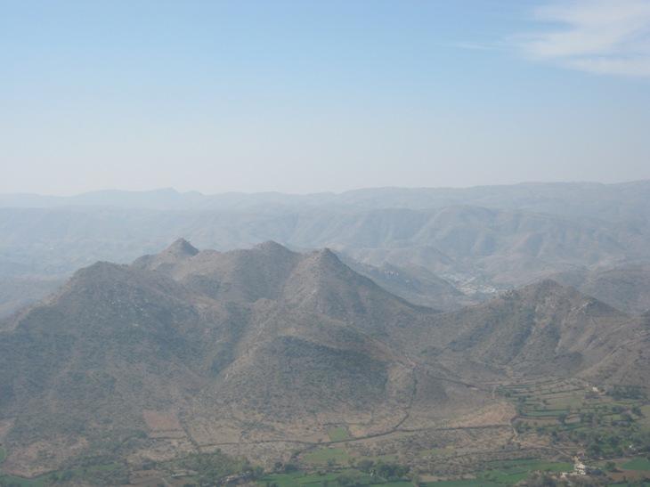 Vaizdas iš pilies į kalnus