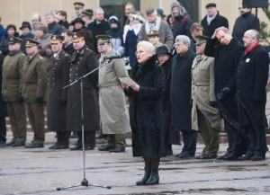 Seimo pirmininkė I.Degutienė sako kalbą Lietuvos kariams, lrs.lt nuotr.