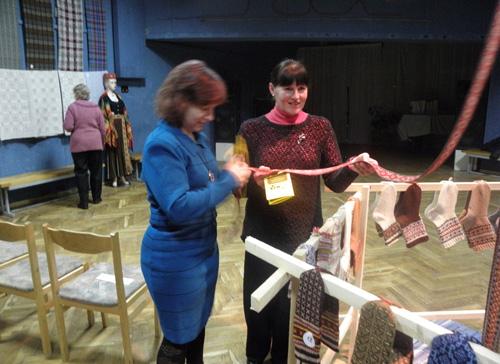 Radviliškio miesto kultūros centre iškilmingai atidaryta latvių tautodailės paroda