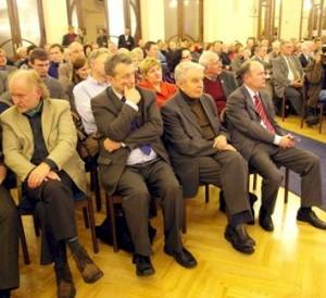 Pirmoje Forumo diskusijoje dalyvavo ir poetas Justinas Marcinkevičius | Alkas.lt, J. Vaiškūno nuotr.