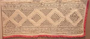 Nuometo galų papuošimai. XIX a. vid. Linas, siuvinėtas peltakiu.