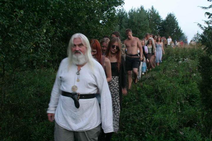 Protėvių takais, Tadas Šidiškis veda romuvius į žygį