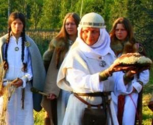 Žemynos šventės apeigos Romuvos vasaros stovykloje