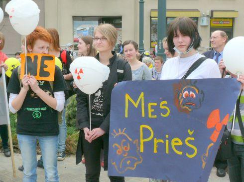 jaunimas protestuoja pries AE