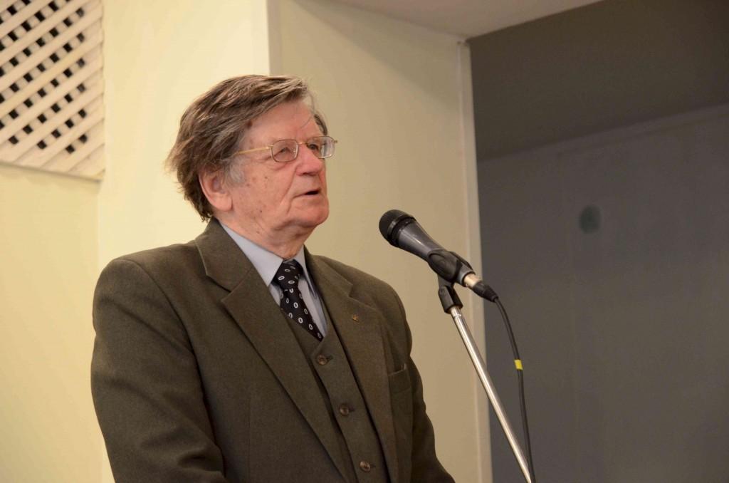 Istoriko  profesoriaus Antano Tylos mintys  sulaukė ypatingo suvažiavimo dalyvių susidomėjimo.