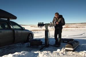 Nikas Raisingeris ruošiasi dangaus foto sesijai