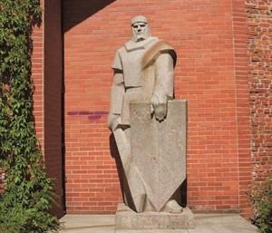 Paminklas Herkui Mantui Klaipėdoje, skulptorius V.Mačiuika