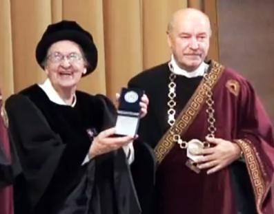 Juratė de Rosales ir VPU rektorius prof. Algirdas Gaižutis