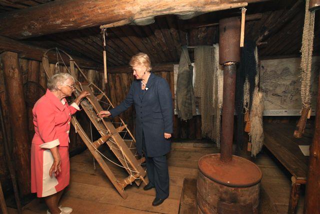 D.Grybauskaitė tremtinių žeminėje| Prezidentės spaudos tarnybos nuotr.