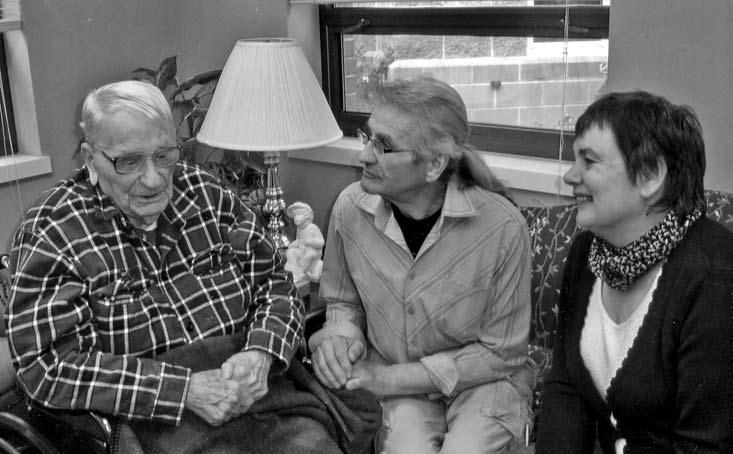 Pas Joną Balį JAV (Monticello miestelyje) svečiuojasi sūnėnas Stanislovas Sasnauskas su žmona Julija, 2008 m. Nuotraukos iš S. Sasnausko asmeninio archyvo