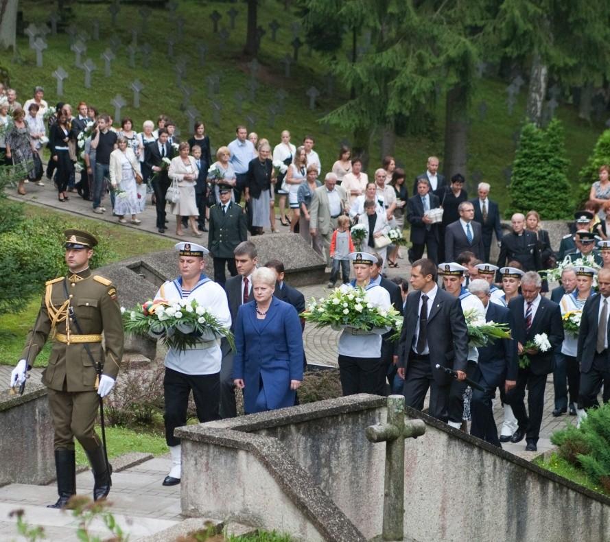 Medininkų žudinių minėjimas 2011m. | prezident. spaudos tarnybos nuotr.