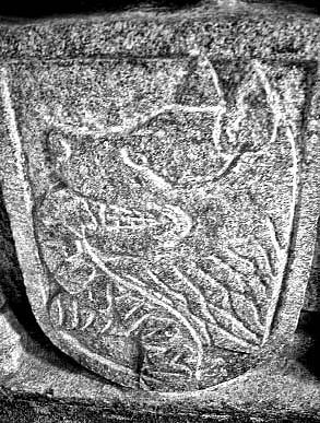 Vilkas Fenriras. Akmens raižinys  Santjago de Kompostelos bažnyčioje