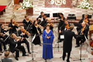 """Dainininkės A.Krikščiūnaitės sopranas vėl aidės Trakų bažnyčioje naujajame muzikos cikle """"Metų laikai"""". Sigitos Nemeikaitės nuotr."""