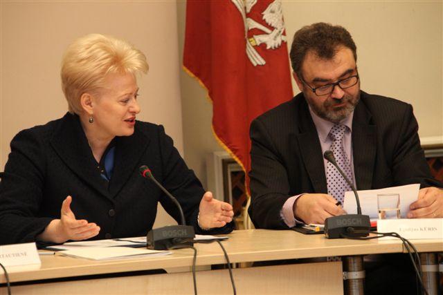 Prezidentė Dalia Grybauskaitė ir prof. Egidijus Kūris| lrp.lt nuotr.
