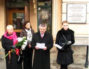 Vengrijos revoliucijos 55-ųjų metinių minėjime kalbą sako nepaprastasis ir įgaliotasis Vengrijos Respublikos Ambasadorius Z.Peče (Pecze)