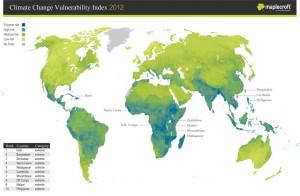 Tamsiai mėlyna spalva pažymėtos valstybės, kurių dėl klimato kaitos patiriama rizika vertinama kaip ekstremali. Šviesesne melsva spalva pažymėtos didelės rizikos, tamsiai žalia - vidutinės rizikos, gelsvai žalsva - žemos rizikos valstybės. Pilkai nuspalvintos teritorijos, apie kurias duomenys nesurinkti.