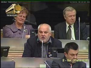 Itin aktyviai už abiejų institucijų sujungimą Seimo posėdžio salėje ir užkulisiuose pasisakė Seimo narys Julius Dautartas | lrs.lt video transliacijos stop kadras