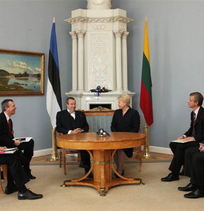 Dalia Grybauskaitė susitinka su Estijos prezidentu | lrp.lt nuotr.