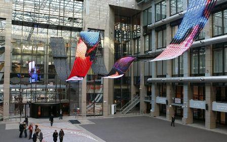 """Daniel Canogar instaliacija """"Perėjos"""", Ispanijos pirmininkavimas, 2010 m"""