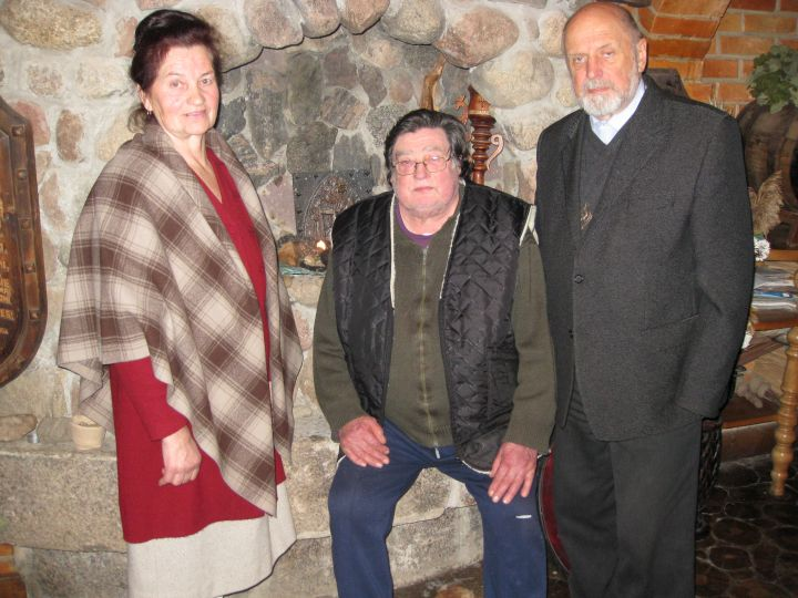 J.Trinkūnas su Adolfu ir Magdute Gedvilais