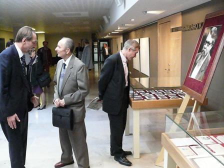 Rusijos mokslų akademijos akademikas prof. N.Kazanskis ir prof. V.Labutis LR Seime V.Toporovui skirtoje konferencijoje