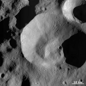 Vestos krateris. NASA nuotr.