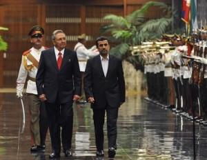 "Mahmudas Ahmadinedžadas Kuboje. ""Reuters"" nuotr."