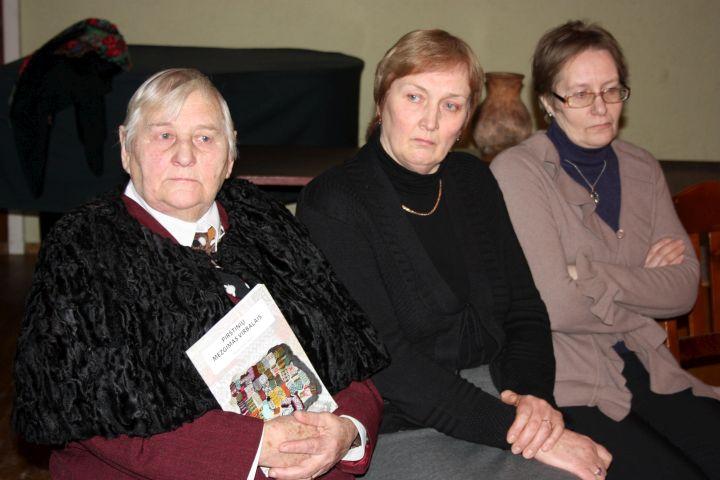 Kupiškio rajono 2011 m. etnokultūros perlų vardą pelnė (iš kairės): Danutė Kazimiera Sokienė, Vitalija Vaitiekūnaitė, Irena Vapšienė | Aušrelės Jonušytės nuotr.