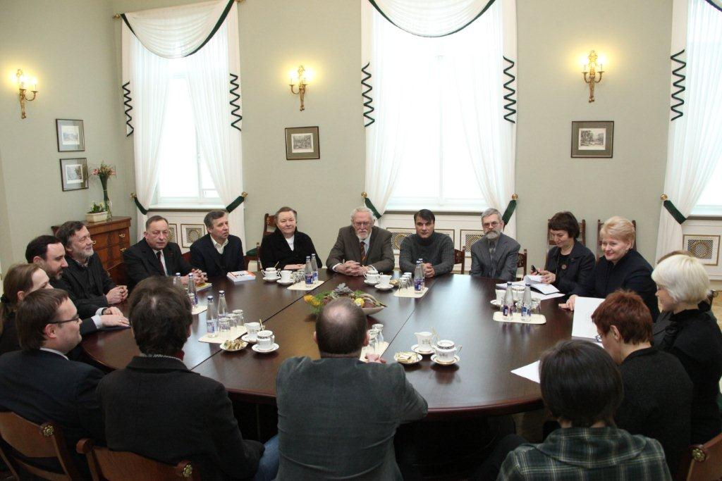 Dalia Grybauskaitė susitiko su Lietuvos rašytojais   lrp.lt nuotr.