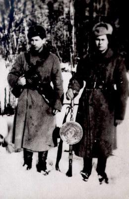 Povilas Kaminskas-Svyruoklis (kairėje) ir Povilas Švilpa